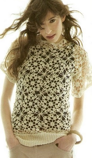 Блузка из цветочных мотивов