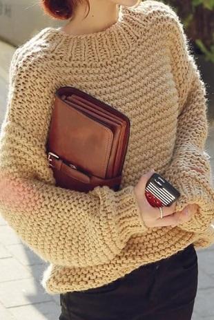 Пуловер крупной платочной вязкой спицами