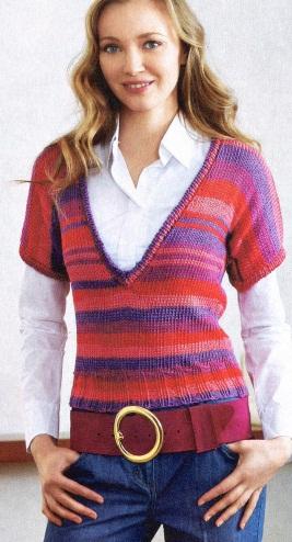 Пуловер в полоску связан