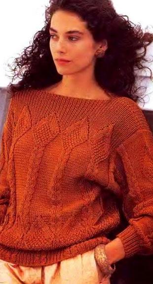 Пуловер с рельефным узором спицами